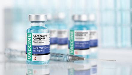 Over de derde prik en de effectiviteit van vaccins