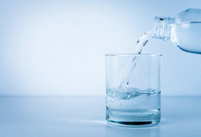 Delhaize experimenteert met waterfontein en herbruikbare flessen
