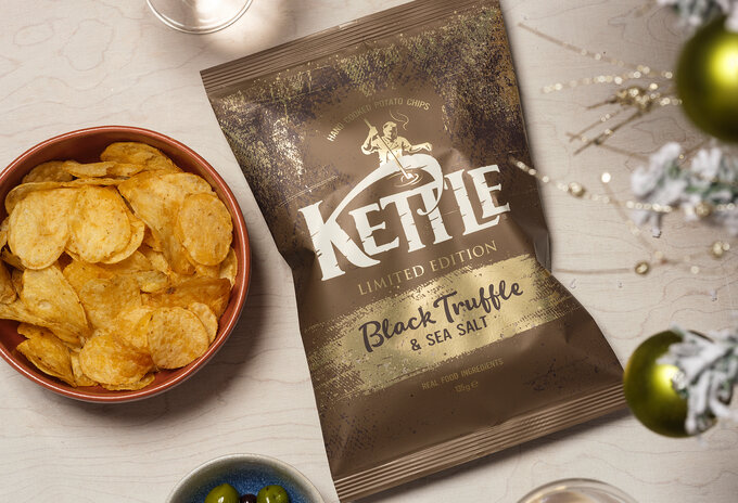 KETTLE® Chips Black Truffle & Sea Salt